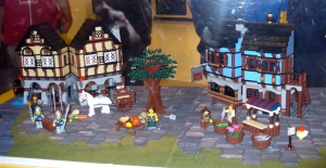 You can see more images at Brothers Brick